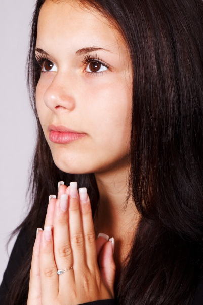 girl-praying-hands-pray-41192-2