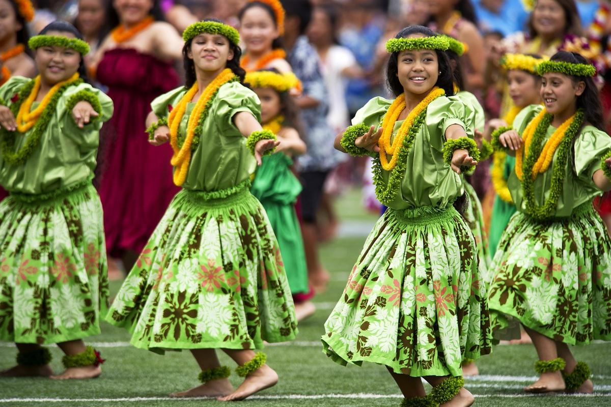 hawaiian-hula-dancers-aloha-stadium-dod-photo-by-usaf-tech-54093