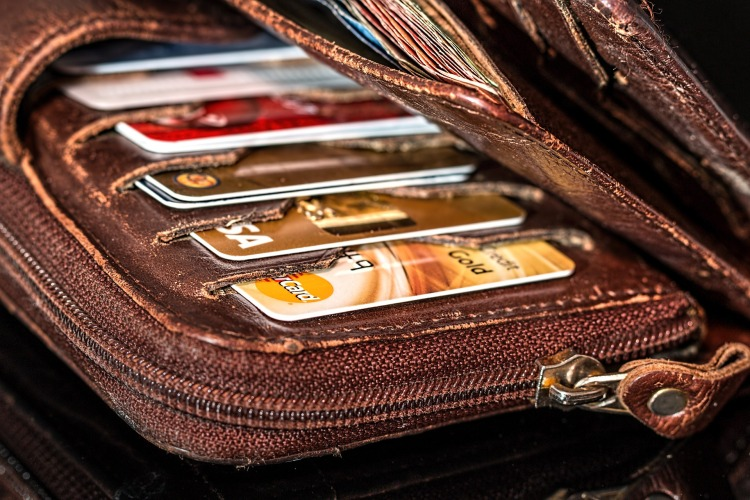 wallet-908569_1920.jpg