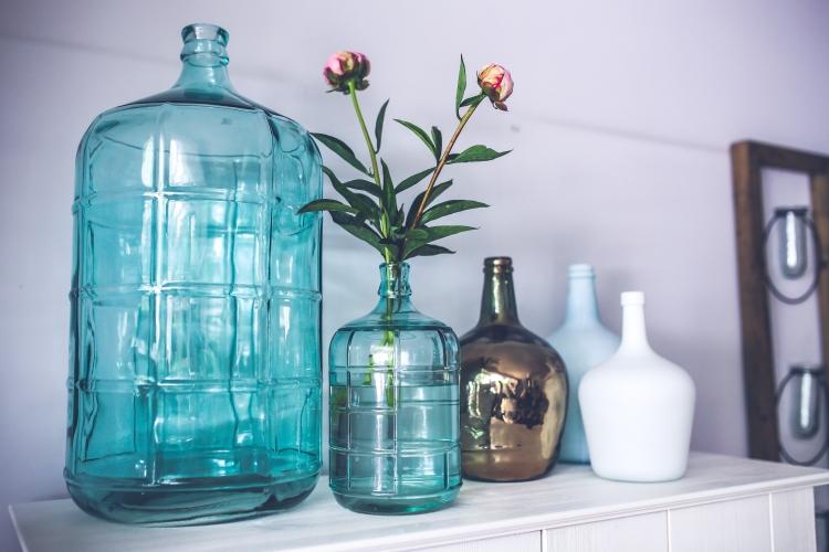 blue-glass-flower-decoration (1)
