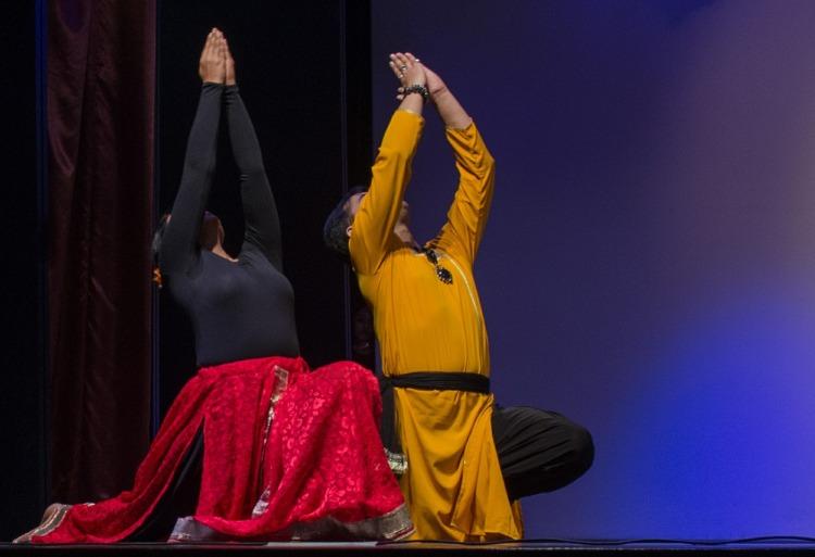 indian-dance-599612_1920